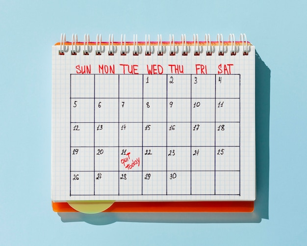 Calendario vista dall'alto con il messaggio esci oggi