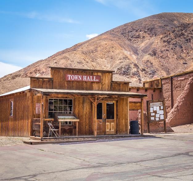 Calico è una città fantasma nella contea di san bernardino, in california