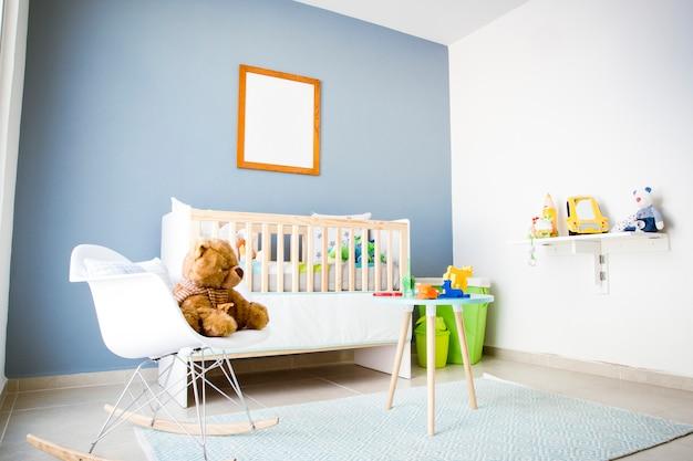 Camera dei bambini con giocattoli