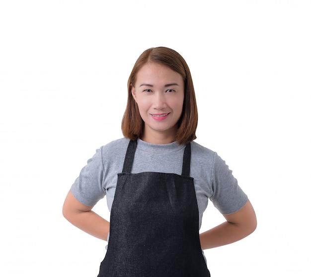 Cameriera, donna di consegna o servicewoman in camicia grigia e grembiule isolato su sfondo bianco