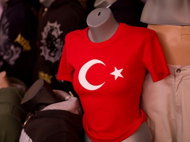 Camicia con il guardiamarina della bandiera turca