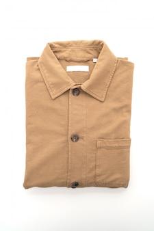 Camicia piegata su bianco