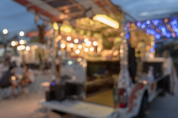 Camion di cibo leggero defocus sfocato