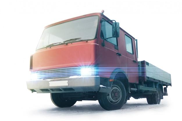 Camion in inverno. isolato. concetto di logistica. settore commerciale