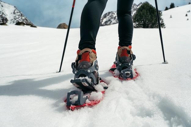 Camminando con le racchette da neve