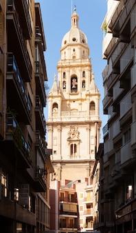 Campanile della cattedrale di santa maria. murcia