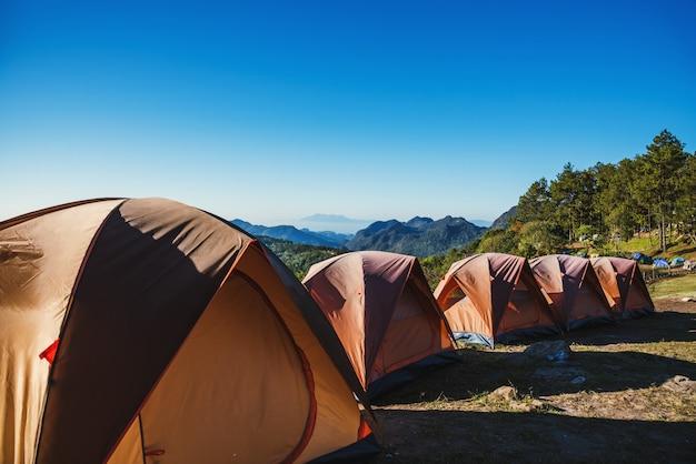 Campeggio sulla montagna
