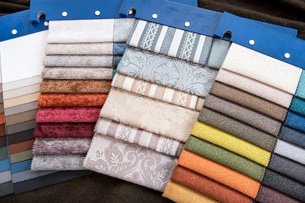 Campioni di tessuto assortiti per la decorazione d'interni