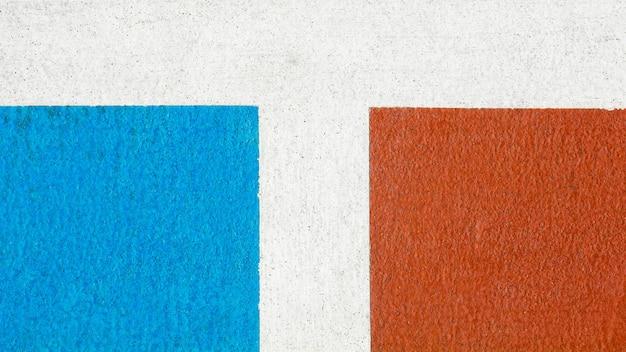 Campo da pallacanestro rosso e blu - alto vicino