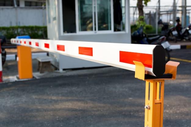 Cancello automatico delle barre
