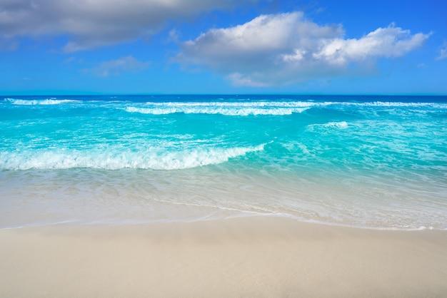 Cancun delfines beach in hotel zone mexico