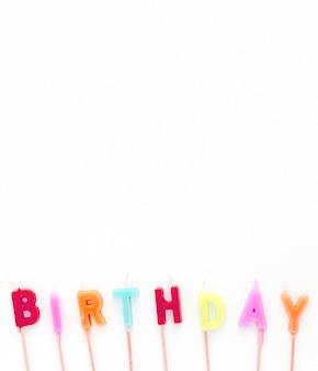Candele di compleanno copia-spazio