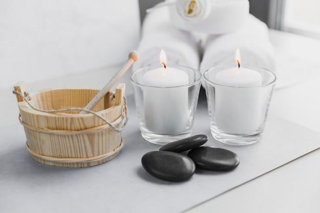 Candele e pietre per aromaterapia