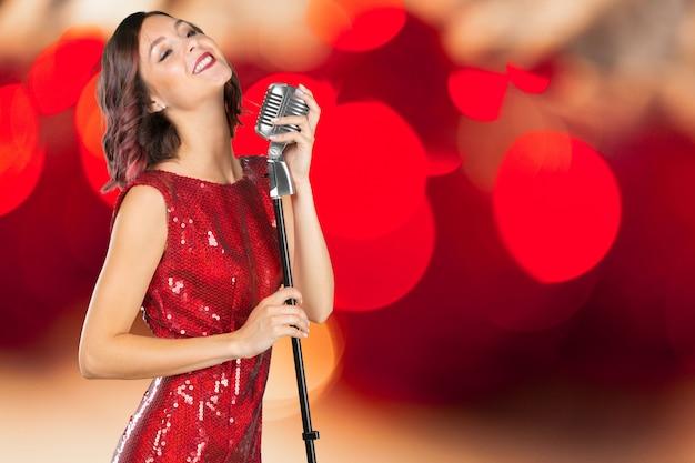 Cantante giovane donna