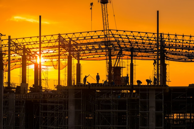 Cantiere occupato occupato all'inizio della costruzione in loco