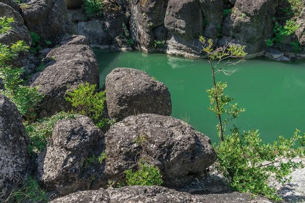Canyon del fiume venetikos, in grecia