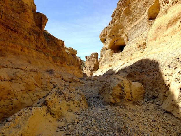 Canyon di sesriem nel deserto di namib, sossusvlei, namibia
