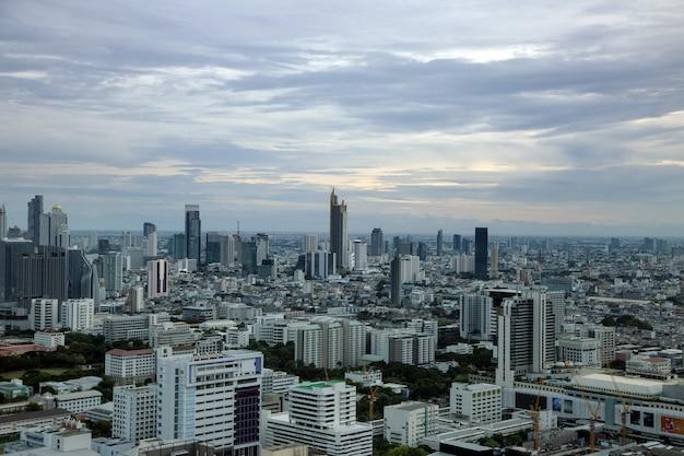Capitale di bangkok della tailandia con alta costruzione dalla vista superiore