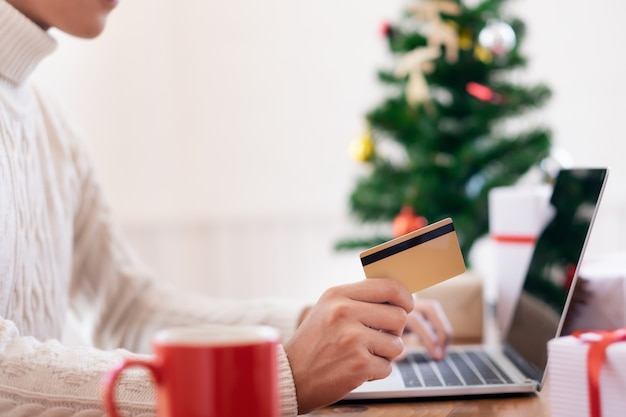 Capodanno, shopping natalizio.