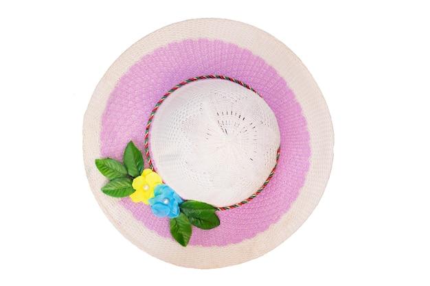Cappello viola delle signore con la vista superiore del fiore isolata su bianco