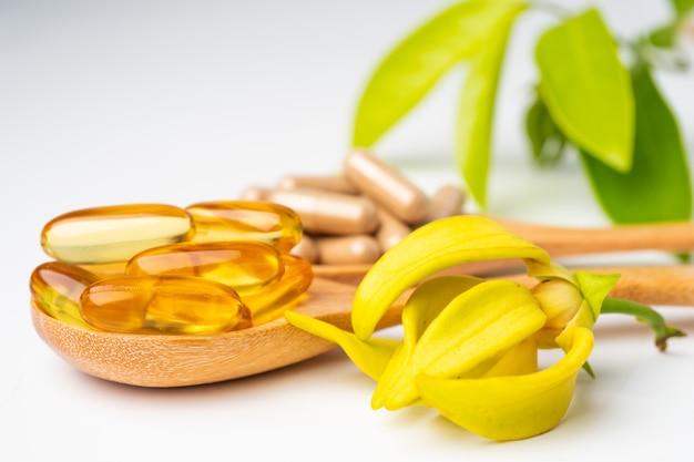 Capsula organica a base di erbe di medicina alternativa
