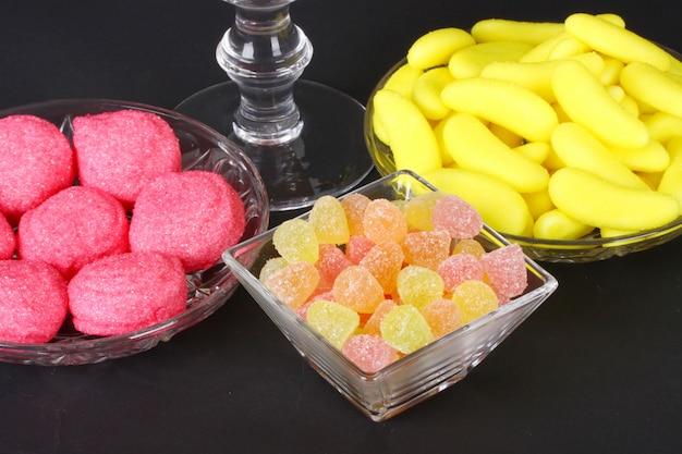 Caramelle di gelatina colorata mista