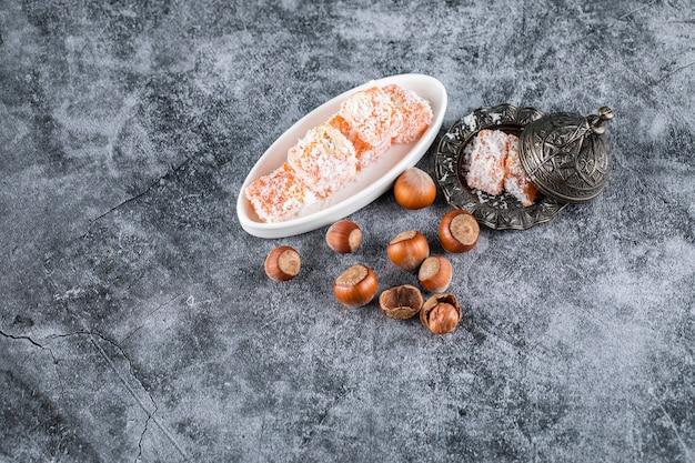 Caramelle e noci lokum