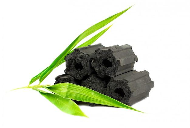Carbone di legna naturale, polvere di carbone di bambù ha proprietà medicinali