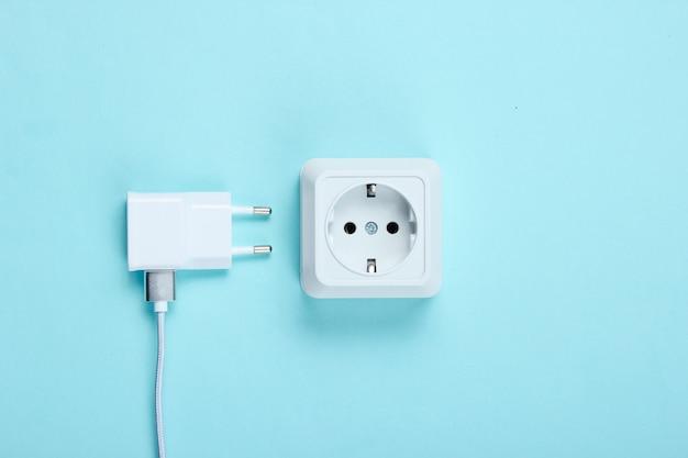 Caricabatterie e presa di corrente