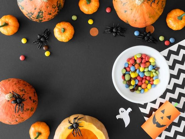 Carino concetto di halloween con copia spazio