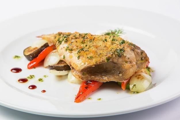 Carne di maiale con verdure