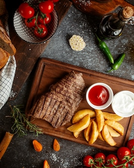 Carne fritta ripiena di patate