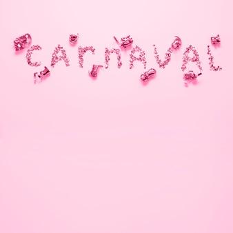 Carnevale in glitter e nastri vista dall'alto
