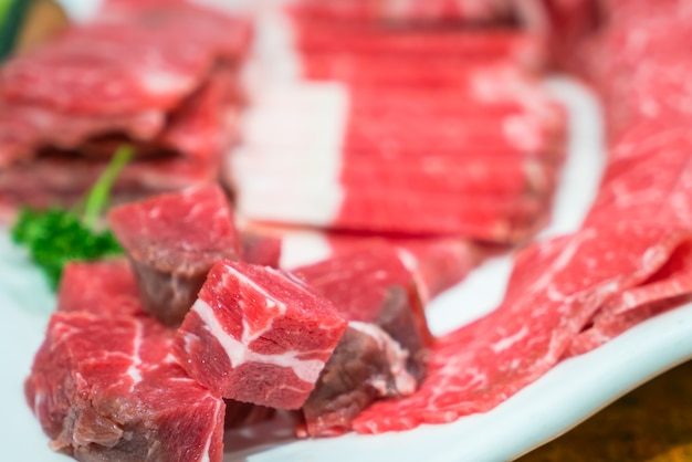 Carni bovine fresche raw