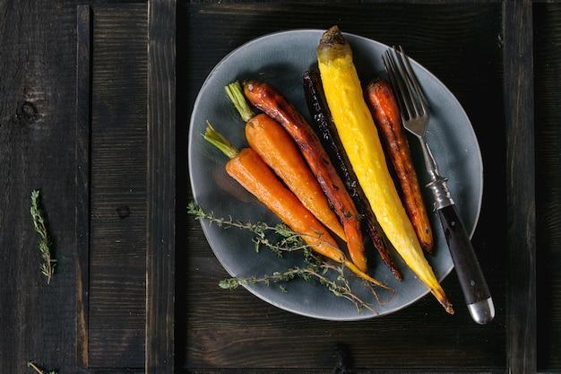 Carote colorate al forno