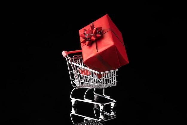 Carrello e confezione regalo