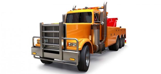 Carro attrezzi arancione per il trasporto di altri grandi camion