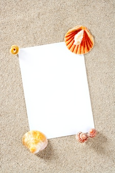 Carta bianca copia spazio estate spiaggia di sabbia vacanza