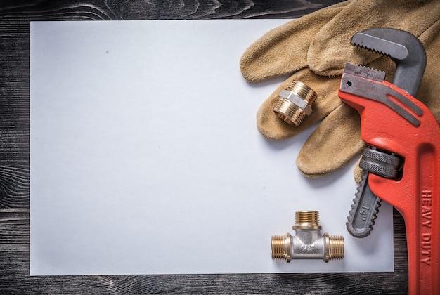Carta bianca per guanti di sicurezza in pelle, raccordi idraulici in ottone, chiave inglese