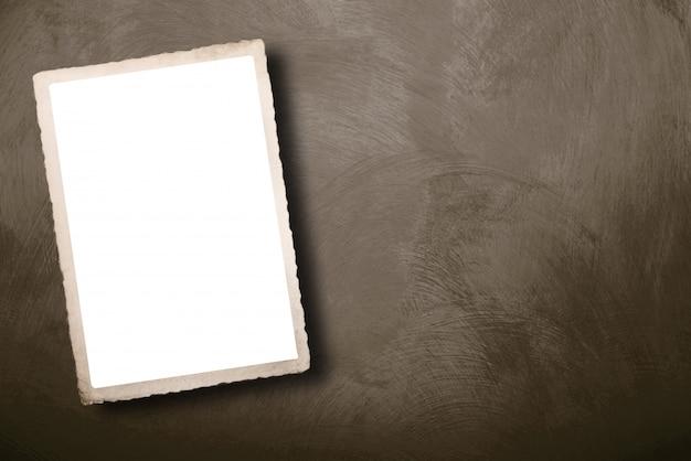 Carta d'epoca con uno spazio vuoto per scrivere