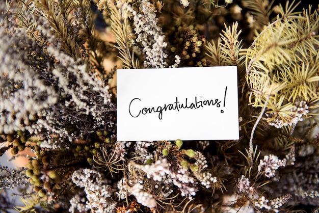 Carta di congratulazioni con varie piante