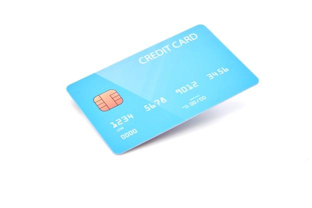 Carta di credito blu in bianco su fondo bianco