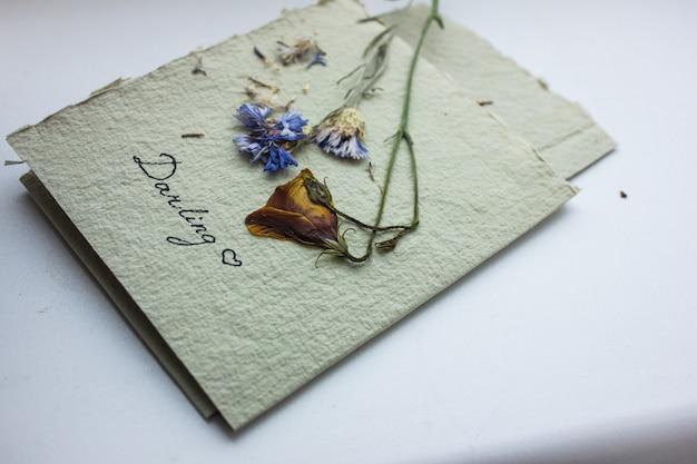 Carta di san valentino, una carta di invito a nozze.
