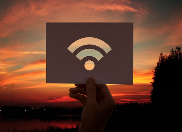 Carta perforata connessione internet wifi