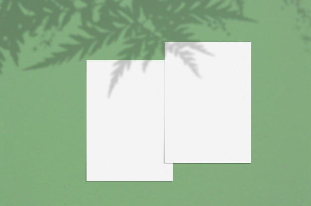 Cartolina d'auguri moderna o elegante o invito a nozze
