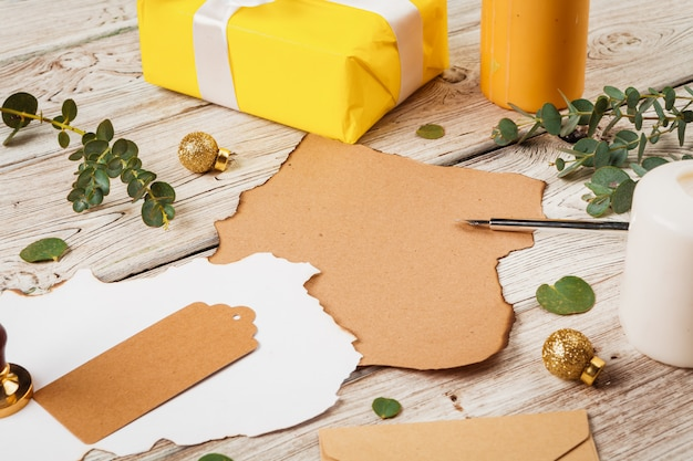 Cartolina d'auguri o lettera di natale con lo spazio della copia come priorità bassa