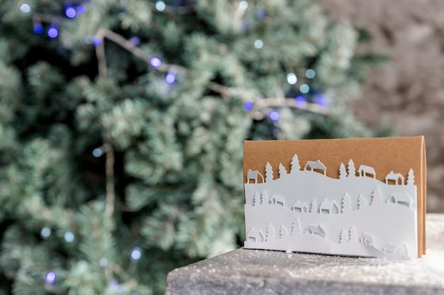 Cartolina di natale con albero di natale