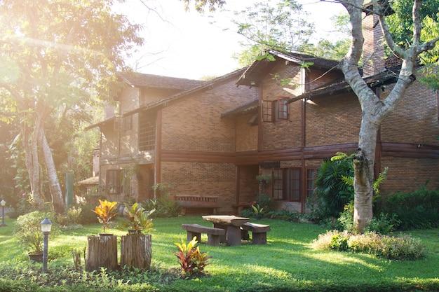 Casa di mattoni residenziali