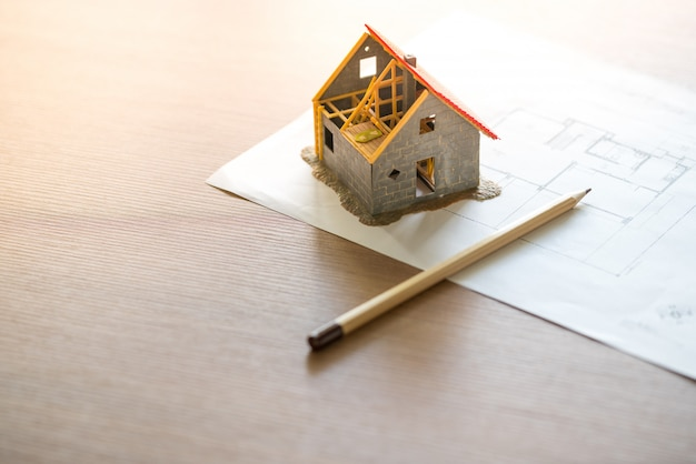 Casa e complesso residenziale con progetto