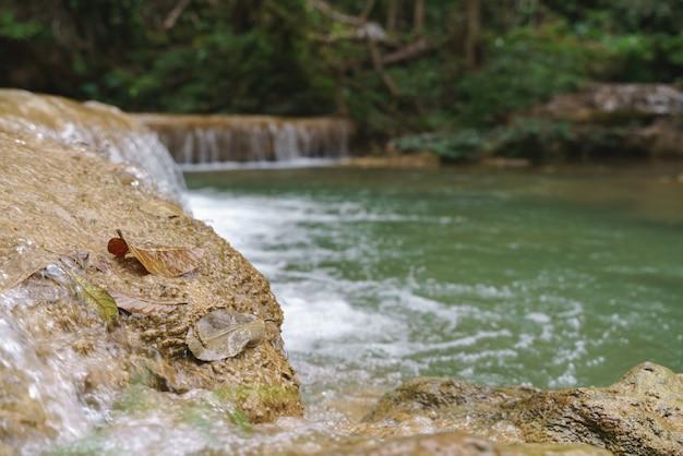 Cascata naturale nel paese asiatico